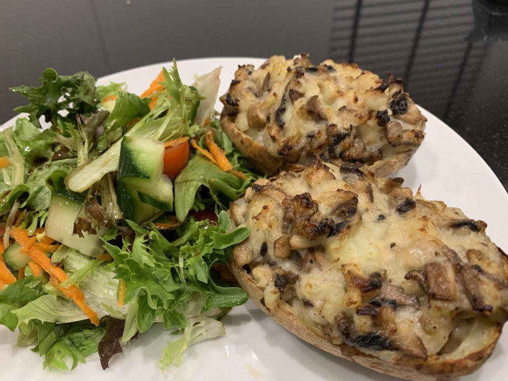 Jacket potatoes stuffed with mushrooms