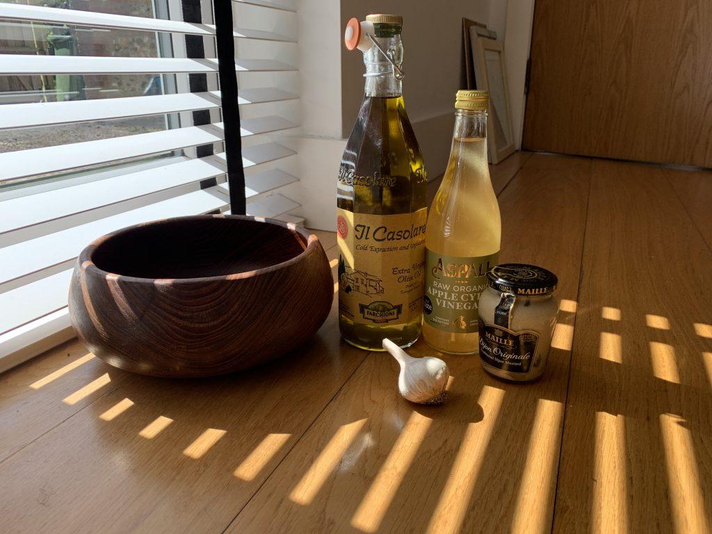 Classic vinaigrette ingredients