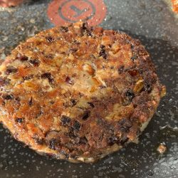 Spicy black bean and lentil burger