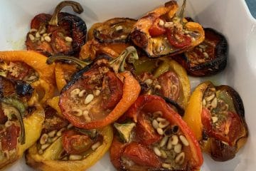 Roasted peppers with tomatoes and garlic